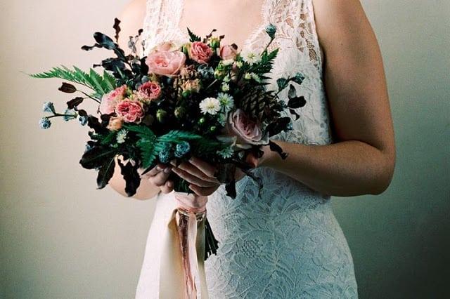Свадебный букет своими руками на основе портбукетницы.
