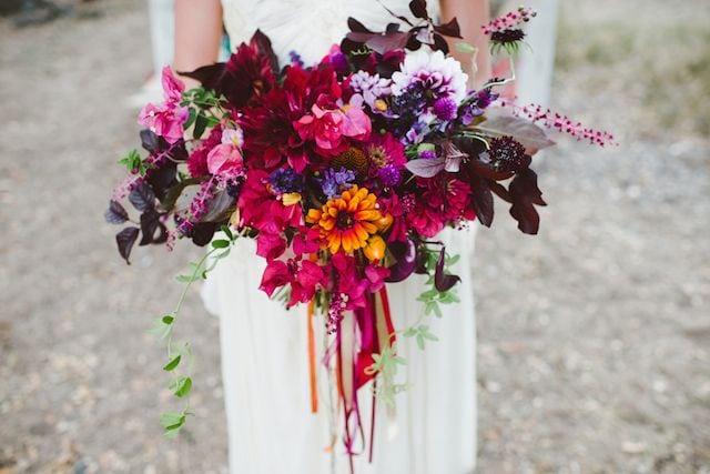 Стильный наряд осенней невесты